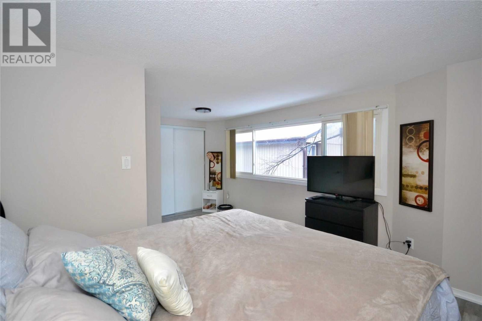 1774 Hyde Mill  Cres, Mississauga, Ontario  L5N 0A7 - Photo 11 - W4674084