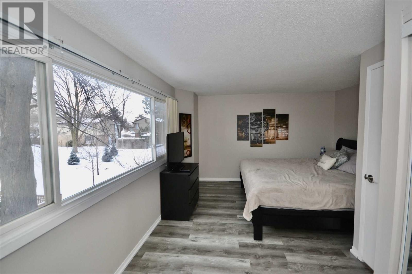 1774 Hyde Mill  Cres, Mississauga, Ontario  L5N 0A7 - Photo 9 - W4674084