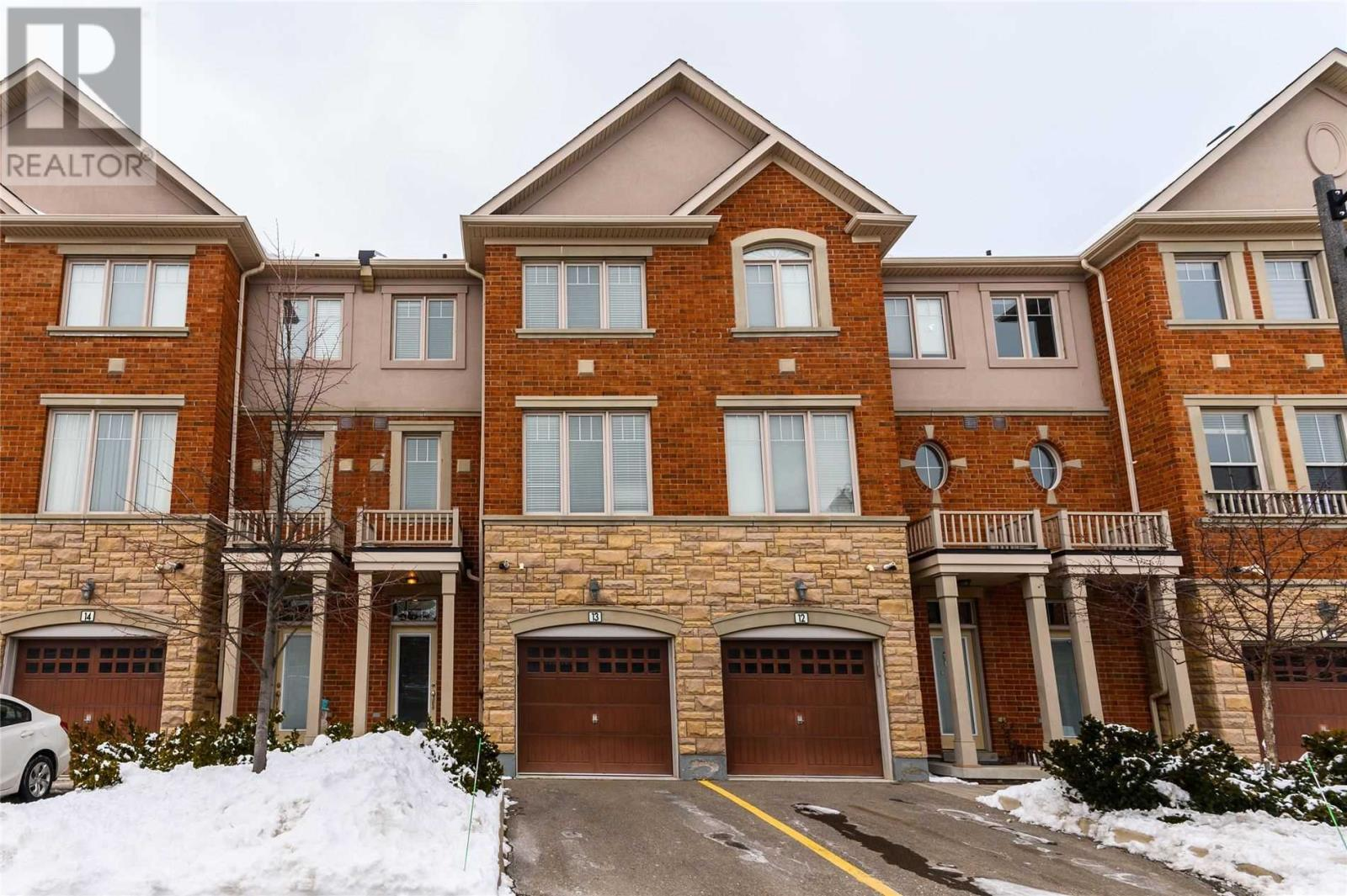 5710 Long Valley Rd, Mississauga, Ontario  L5M 0M1 - Photo 1 - W4674367