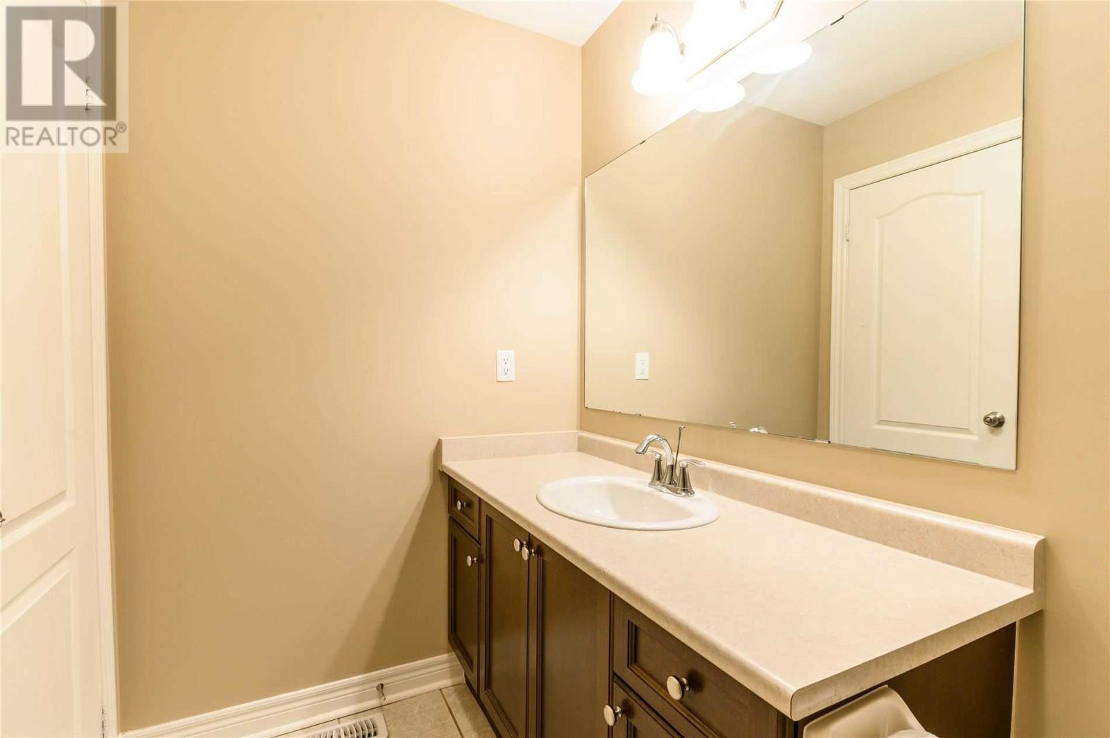 5710 Long Valley Rd, Mississauga, Ontario  L5M 0M1 - Photo 18 - W4674367