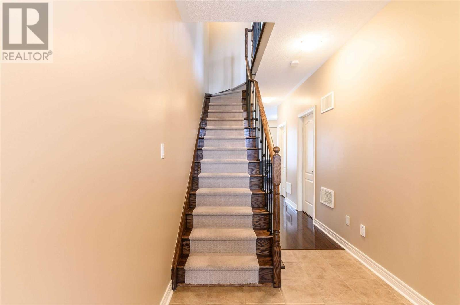 5710 Long Valley Rd, Mississauga, Ontario  L5M 0M1 - Photo 7 - W4674367