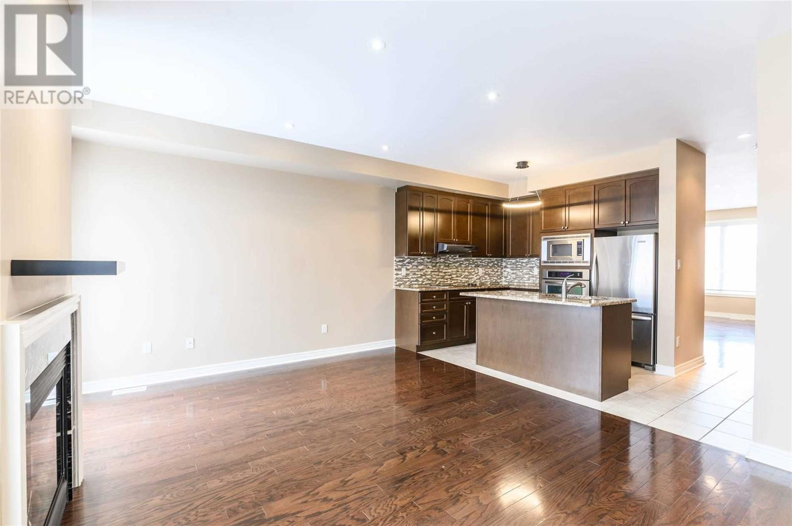 5710 Long Valley Rd, Mississauga, Ontario  L5M 0M1 - Photo 9 - W4674367