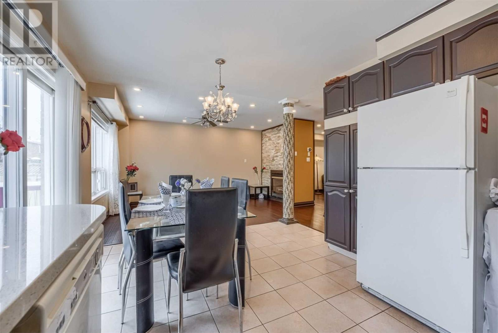 5427 Longford Dr, Mississauga, Ontario  L5M 6L4 - Photo 7 - W4674690