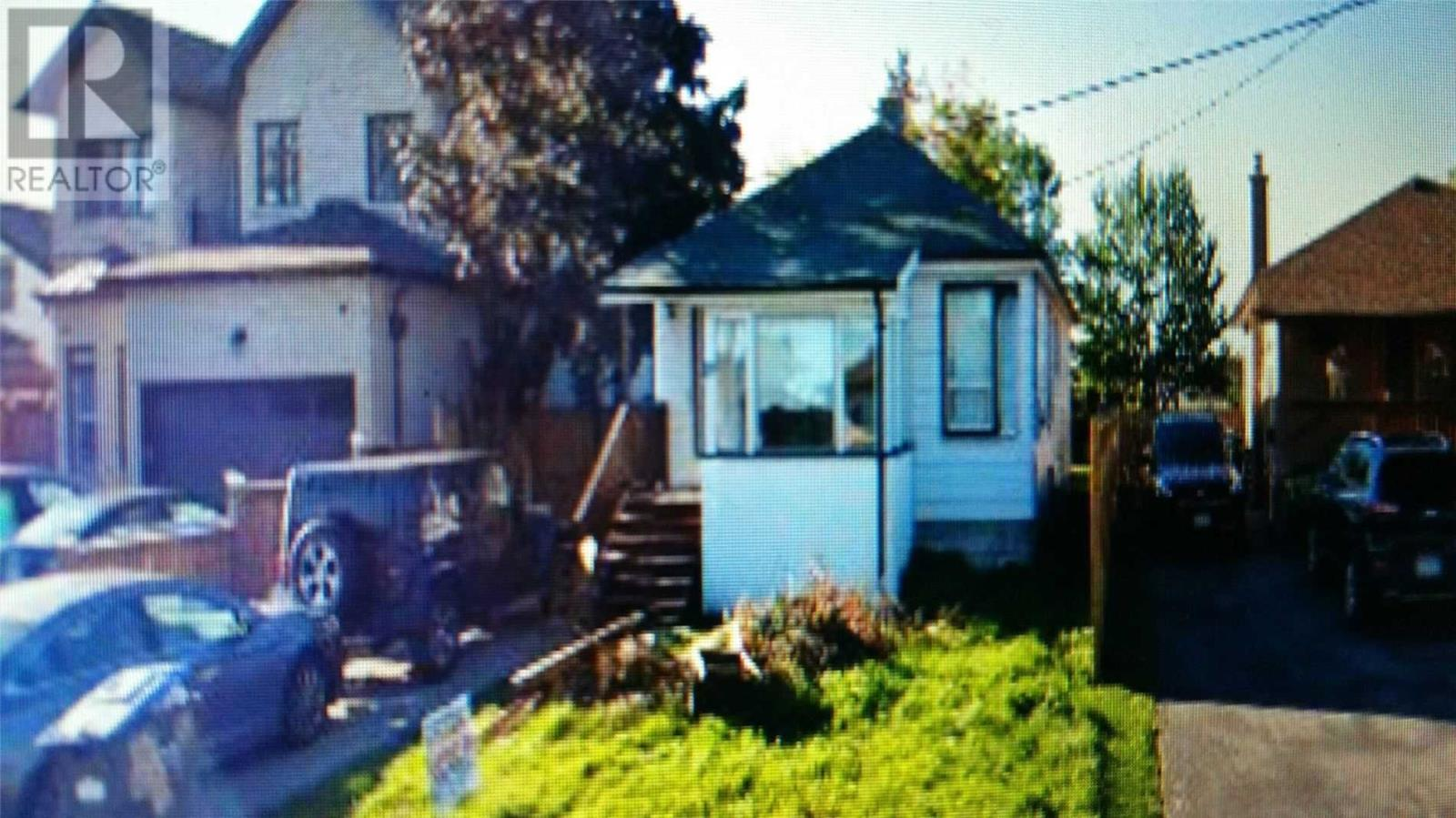 19 Beverley St, Mississauga, Ontario  L4T 1E9 - Photo 4 - W4675217