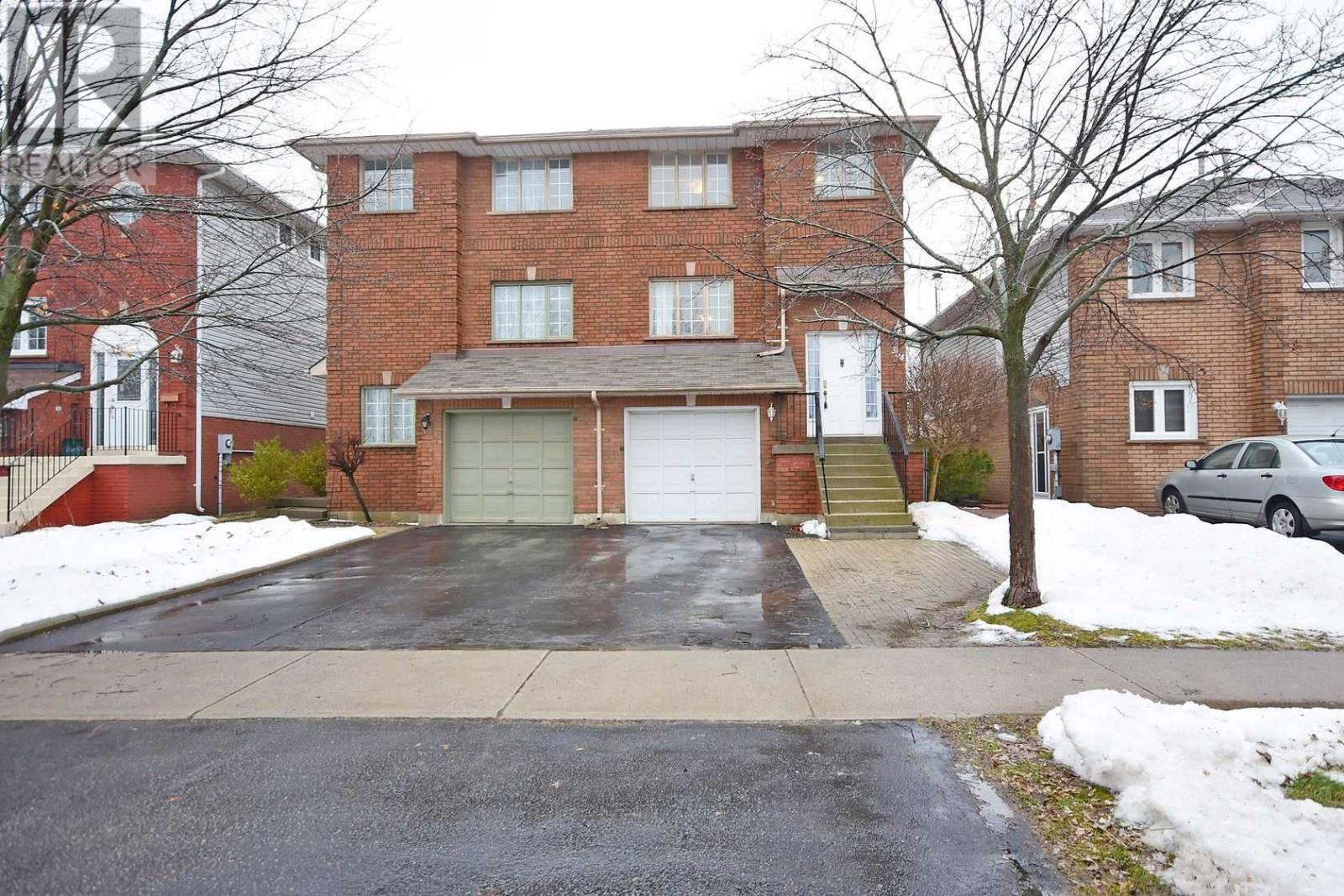 354 Howell Rd, Oakville, Ontario  L6H 5Y1 - Photo 1 - W4675254