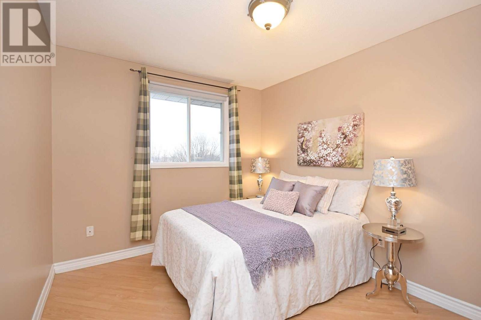 354 Howell Rd, Oakville, Ontario  L6H 5Y1 - Photo 9 - W4675254