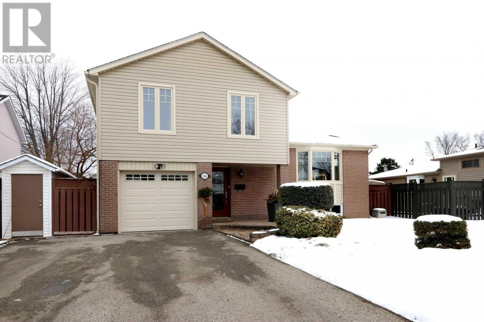 2524 Windjammer Rd, Mississauga, Ontario  L5L 1H9 - Photo 1 - W4675885