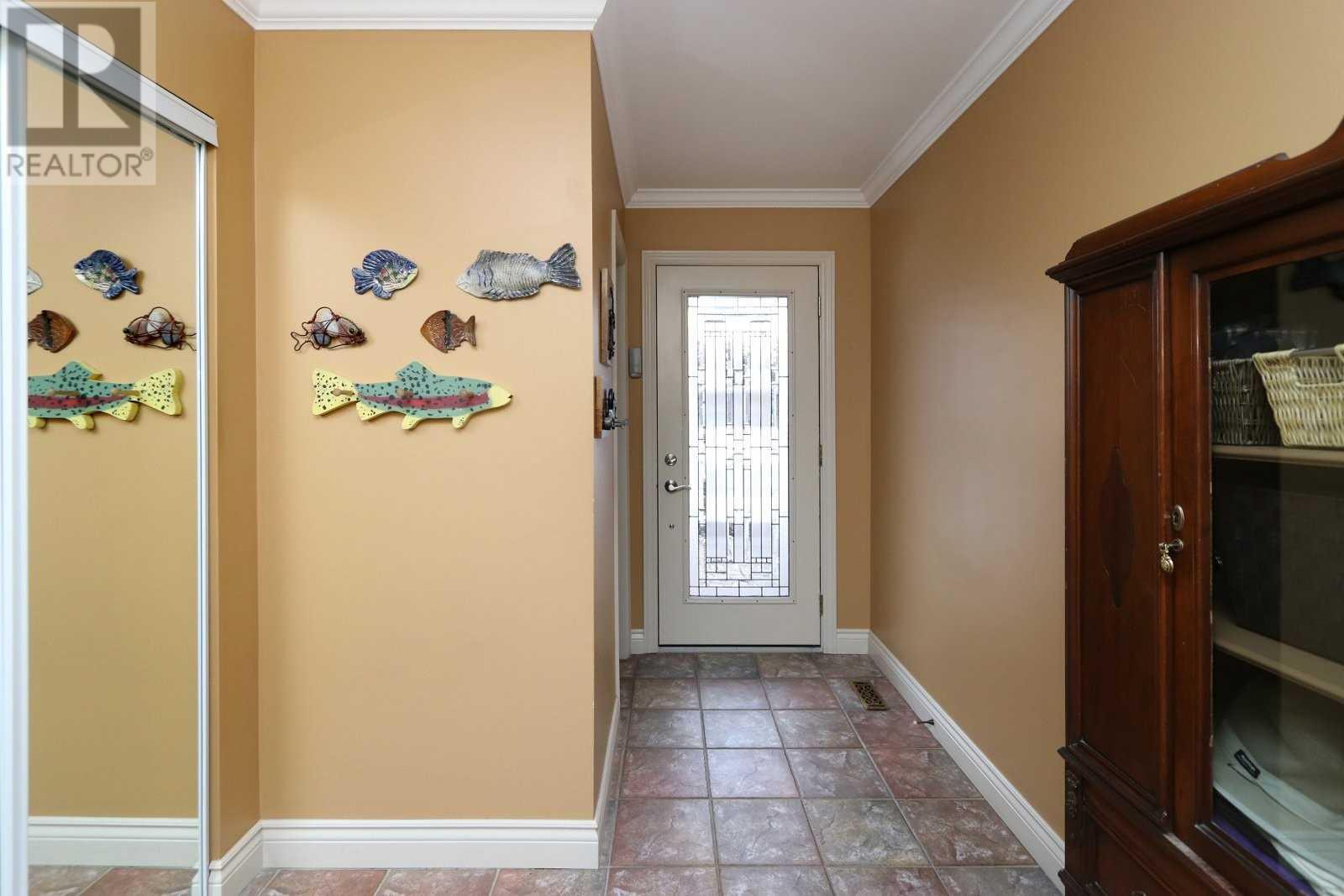 2524 Windjammer Rd, Mississauga, Ontario  L5L 1H9 - Photo 2 - W4675885