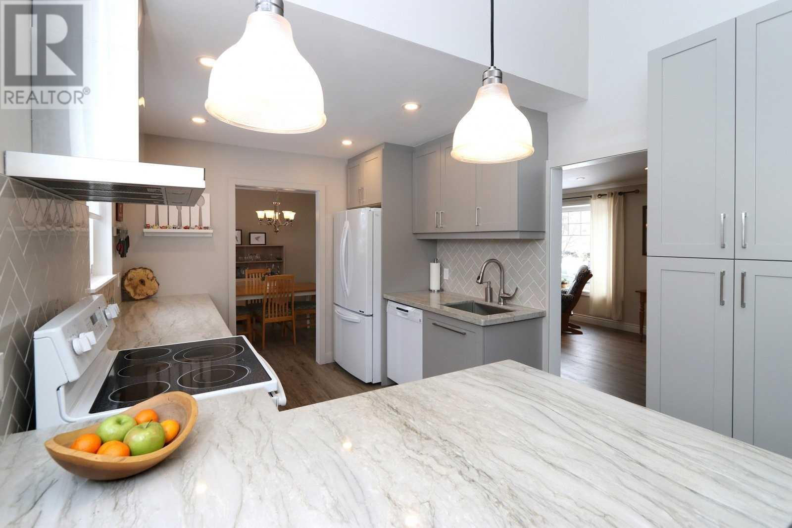 2524 Windjammer Rd, Mississauga, Ontario  L5L 1H9 - Photo 7 - W4675885