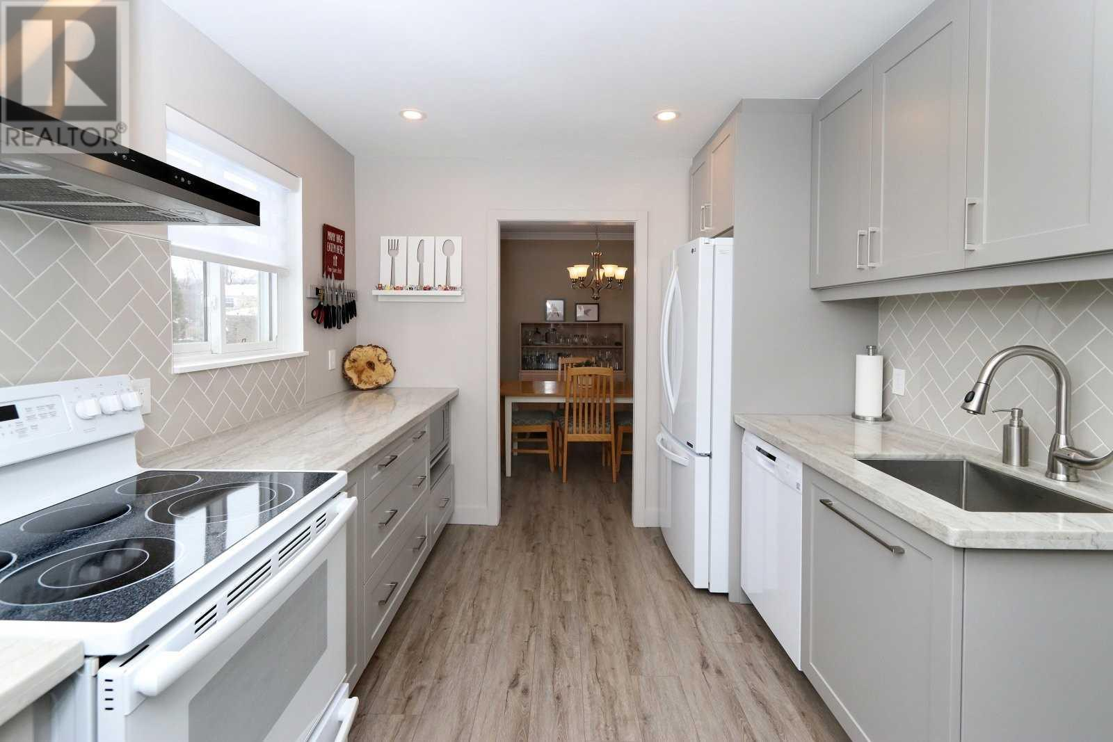 2524 Windjammer Rd, Mississauga, Ontario  L5L 1H9 - Photo 8 - W4675885