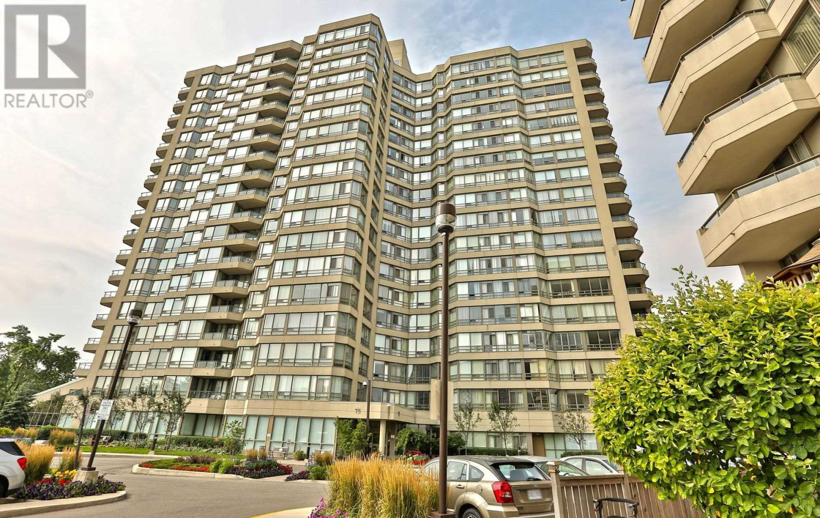 #407 -75 King St E, Mississauga, Ontario  L5A 4G5 - Photo 1 - W4677729