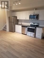 #12 -650 Atwater Ave, Mississauga, Ontario  L5G 0B6 - Photo 3 - W4681291